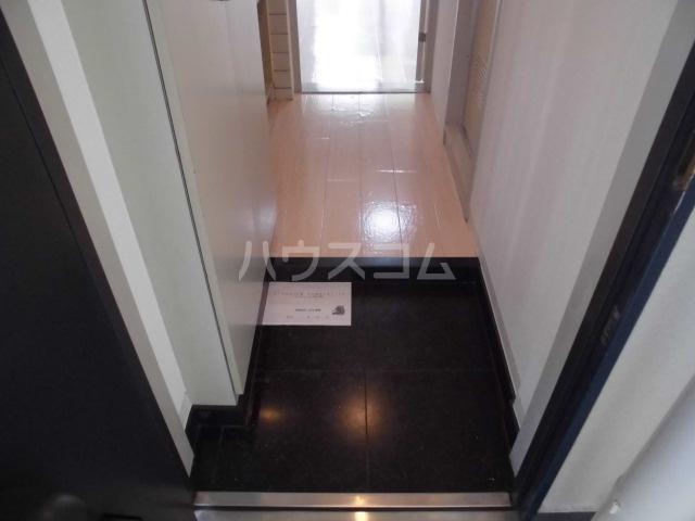 ローズガーデンA50番館 306号室の玄関