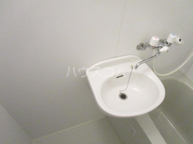マルサカビル 202号室の洗面所
