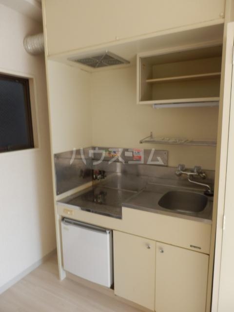 シャンテ津田沼A 106号室のキッチン