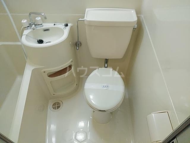 エクセレント丸太町 407号室のトイレ