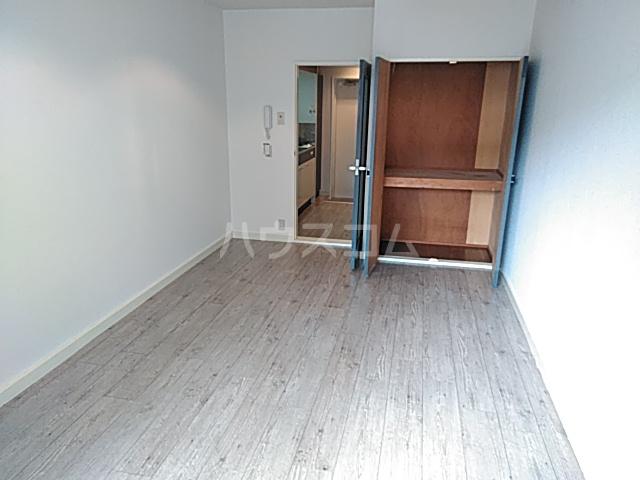 エクセレント丸太町 407号室の居室