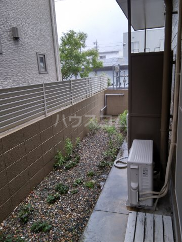 西羽田ヴィレッジ 202号室の庭
