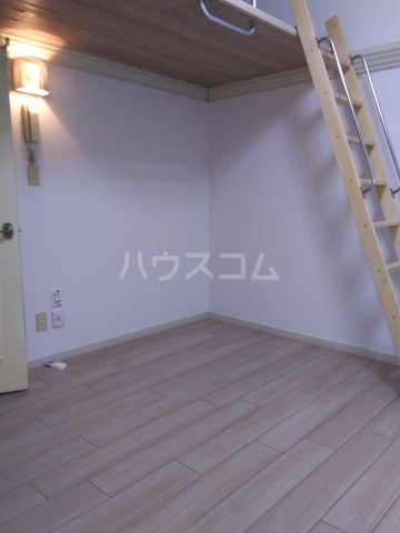 西羽田ヴィレッジ 202号室のキッチン