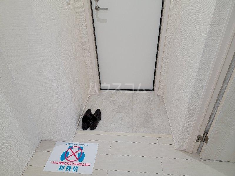 フジパレス服部天神 303号室の玄関