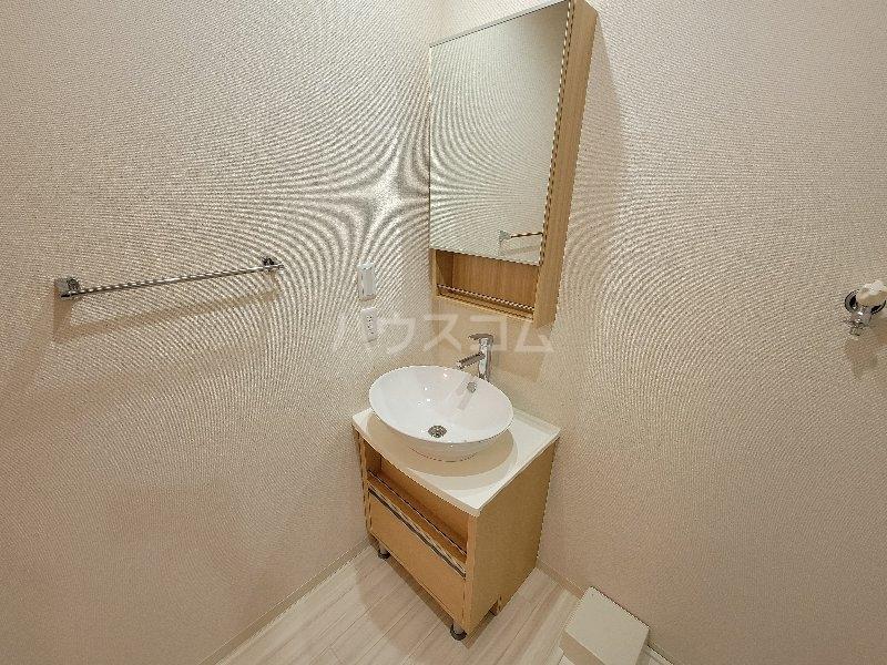 フジパレス服部天神 303号室の洗面所