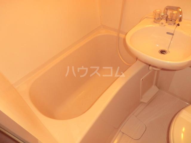 シャルマンフジ下松壱番館 202号室の風呂
