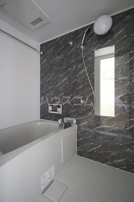 D-room飯倉 102号室の風呂
