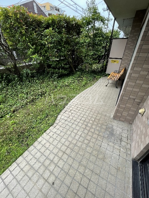 ライオンズマンション篠崎 107号室の庭