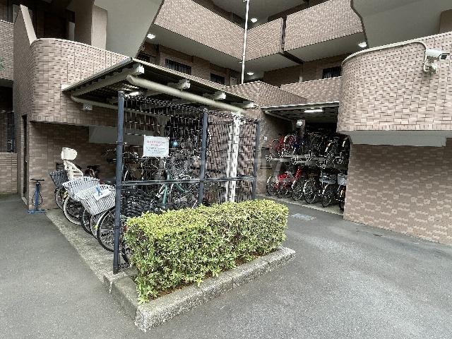 ライオンズマンション篠崎 107号室のエントランス