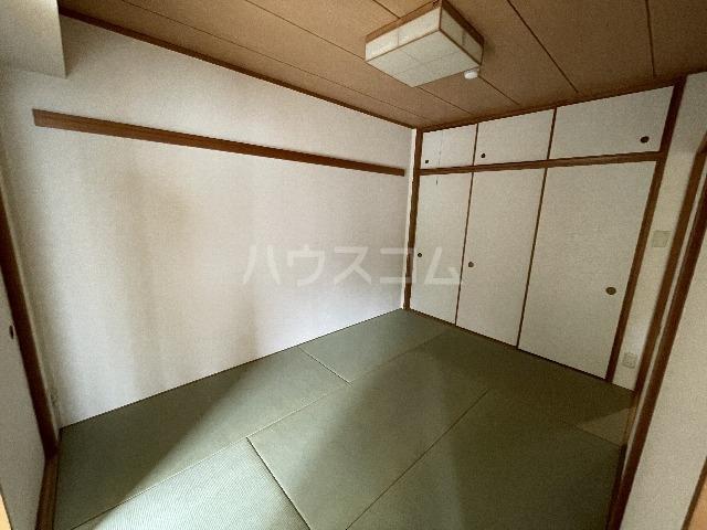 ライオンズマンション篠崎 107号室の収納