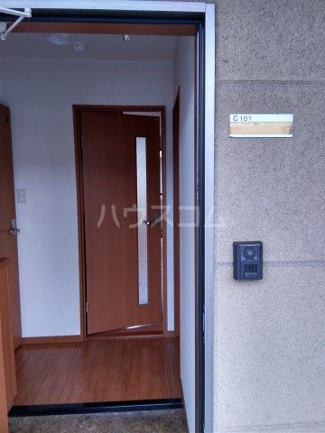 ブロードタウン神野Ⅱ C 201号室の玄関