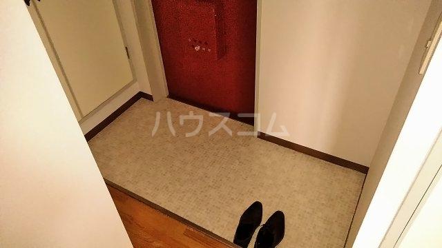 長尾ビル 302号室の玄関