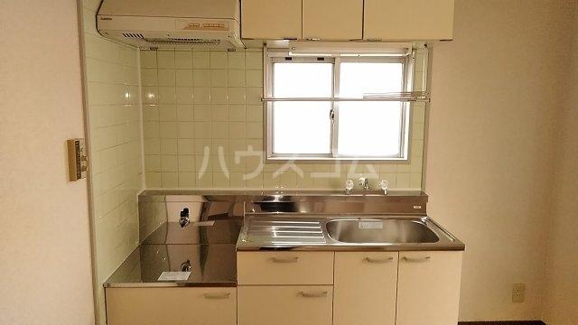 長尾ビル 302号室のキッチン