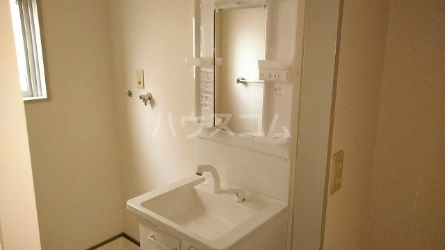 長尾ビル 302号室の洗面所