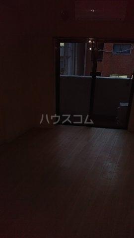 ヴェルト五反田イースト 502号室のリビング
