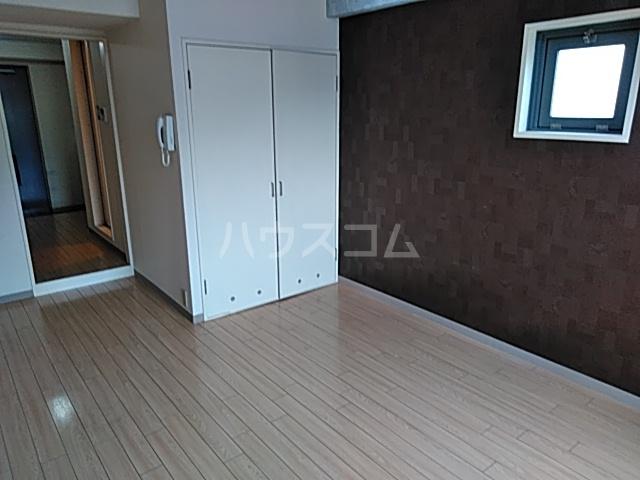 アルテハイム桂 303号室のリビング