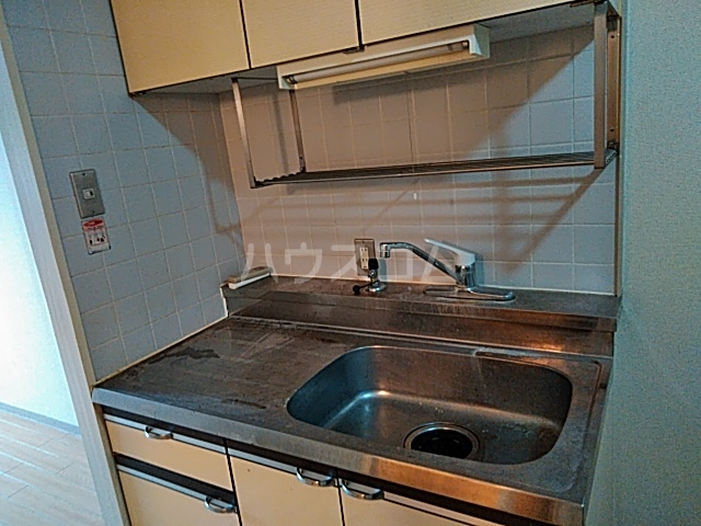 アルテハイム桂 303号室のキッチン