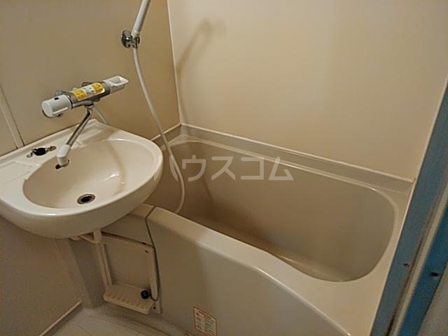 アルテハイム桂 303号室の風呂