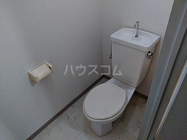 アルテハイム桂 303号室のトイレ