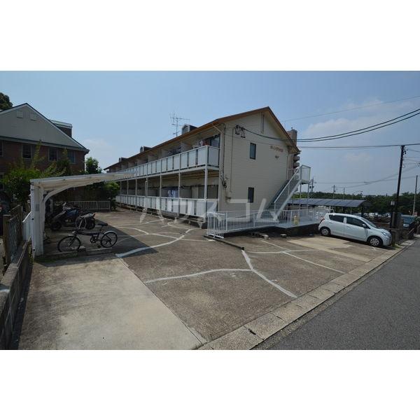 オレンジハウス 108号室の駐車場