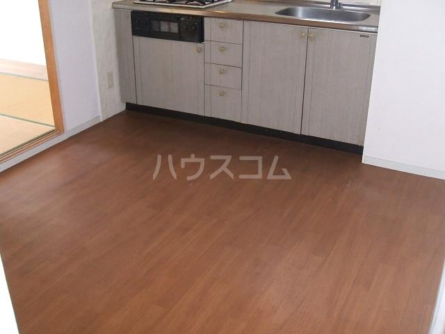 カーサ阪和 305号室のリビング