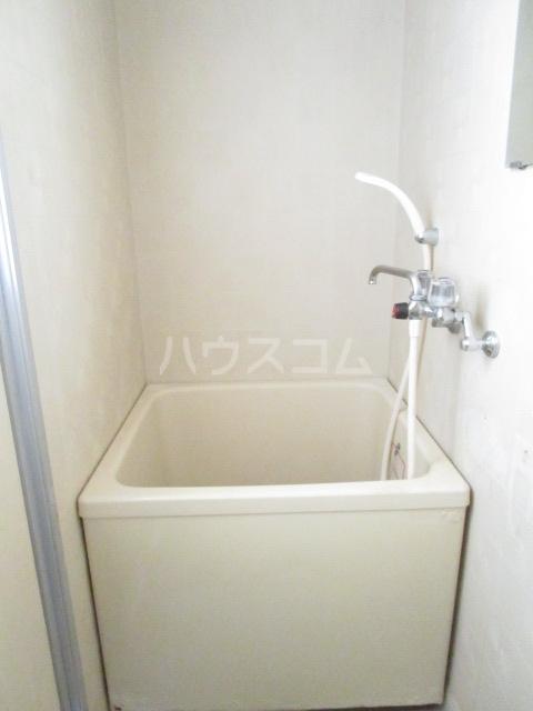 第12クリスタルハイツ 201号室の風呂