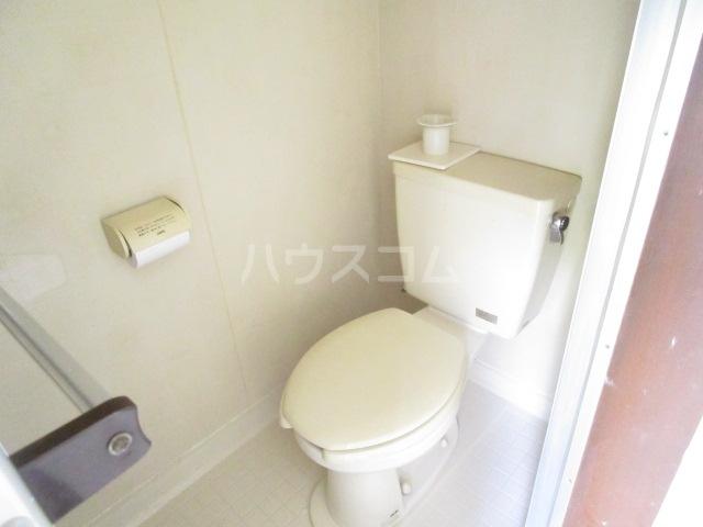 第12クリスタルハイツ 201号室のトイレ