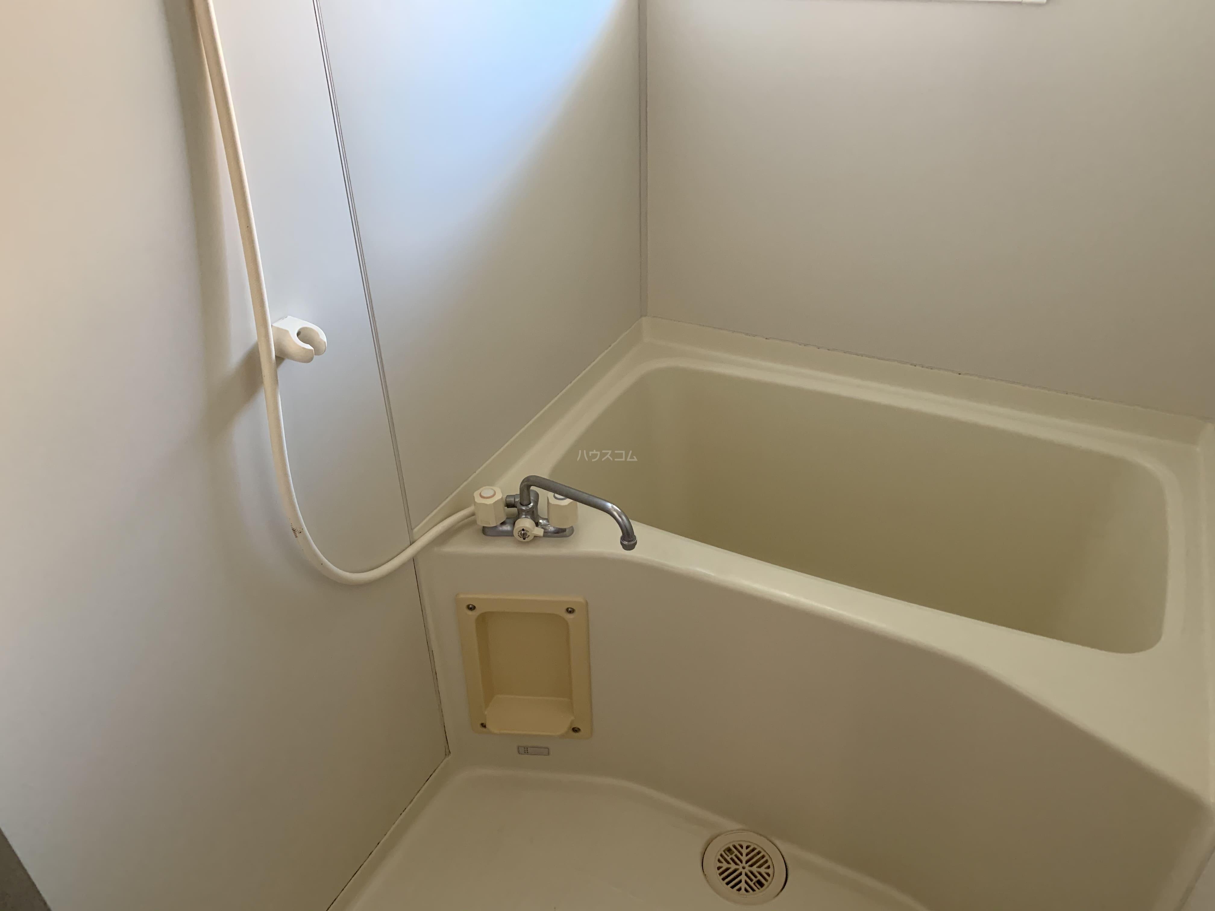 エールⅢ 101号室の風呂