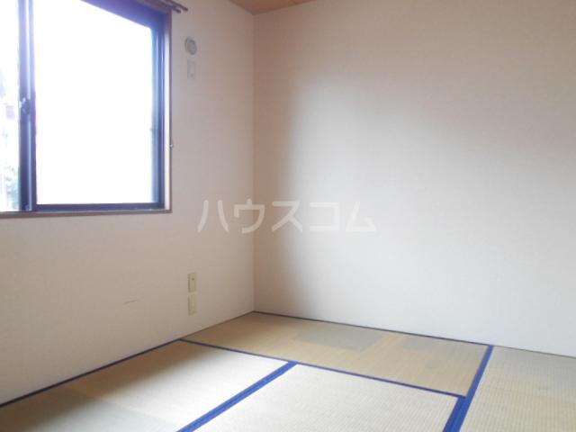 セゾン西橋本 302号室のベッドルーム