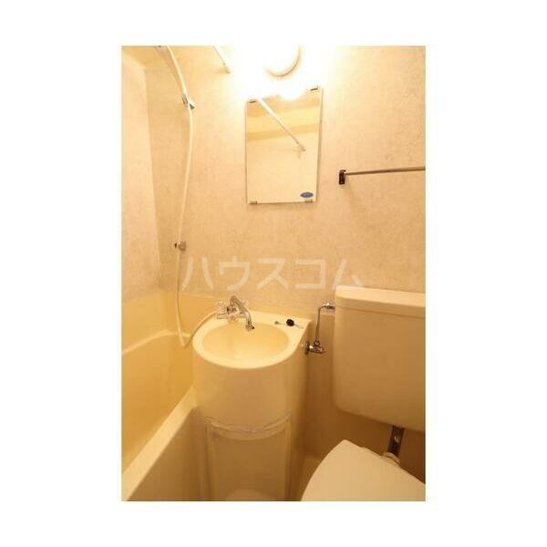 メイプルハウス町田 402号室の洗面所