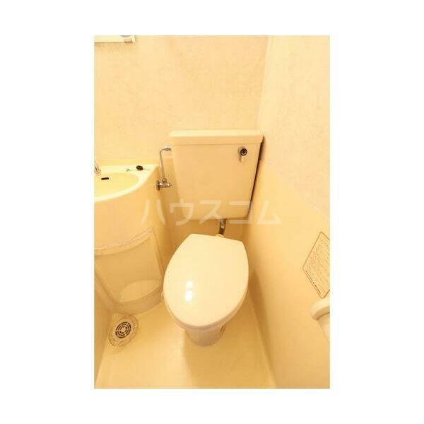 メイプルハウス町田 402号室のトイレ
