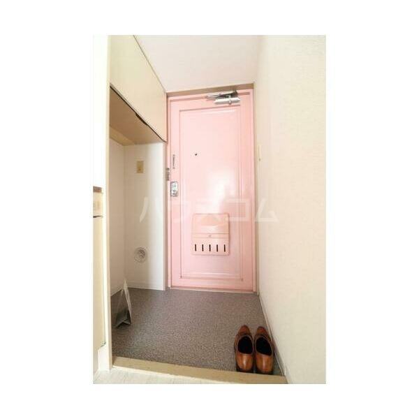 メイプルハウス町田 402号室の玄関