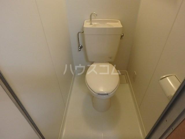 ロータスハイツ 102号室のトイレ