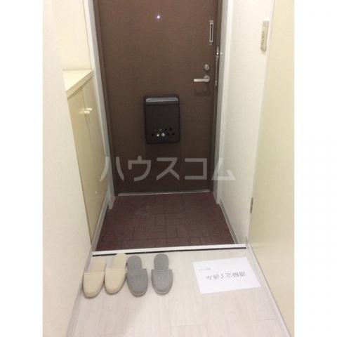 エスシャトルB 107号室の玄関
