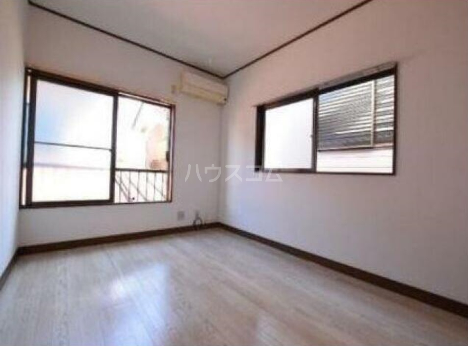 シャトーマルイシ 205号室の居室
