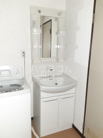 メゾンA 101号室の洗面所