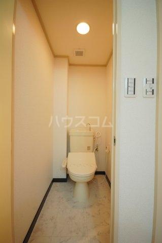 厚木リバーハイツ2号棟 234号室のトイレ