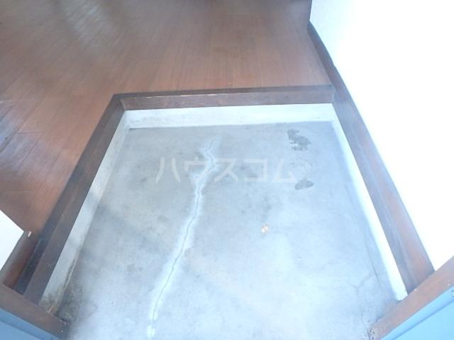 メゾンハピネス 105号室の玄関