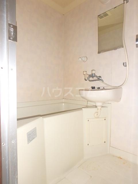 メゾンハピネス 105号室の風呂