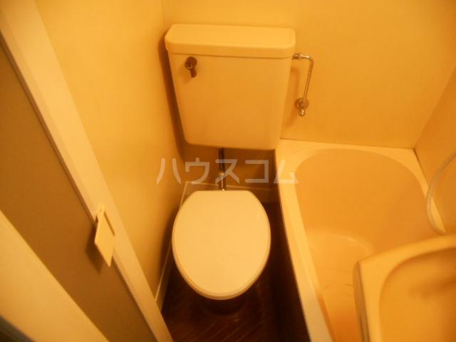 ブルーウィング 201号室のトイレ