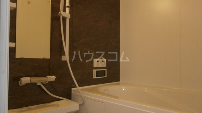 ラヴィラントさしまB 103号室の風呂