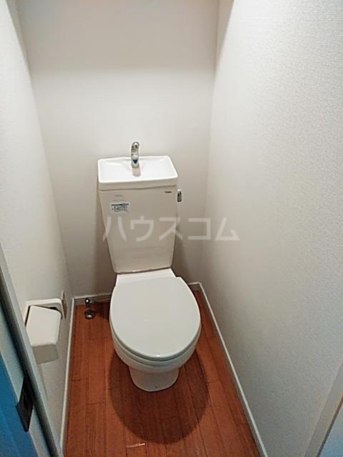 ハイツ上用賀 104号室の洗面所