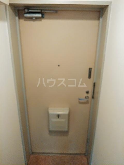 ハイツ上用賀 104号室の居室