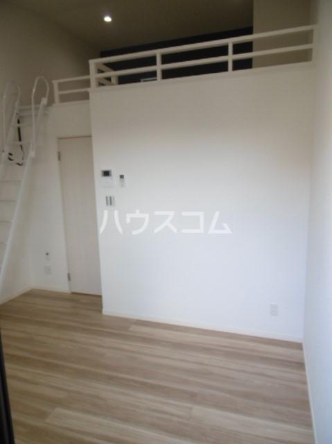 スリジエ 松戸 02030号室のリビング