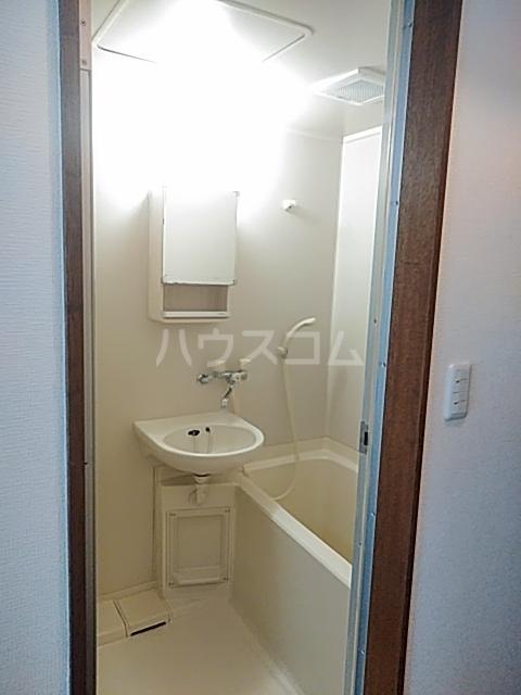 サンベルガーデン 206号室の風呂