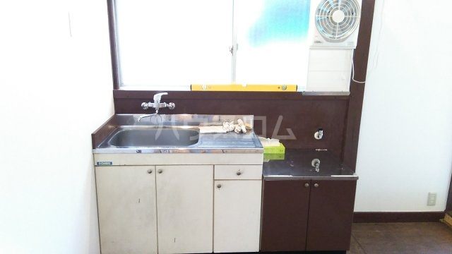 稲越町貸家のキッチン