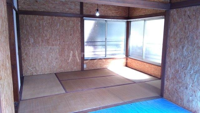 稲越町貸家の居室