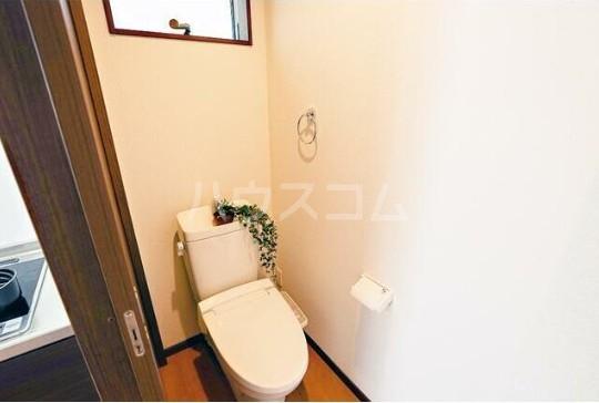 ルミエリア横浜 301号室のトイレ