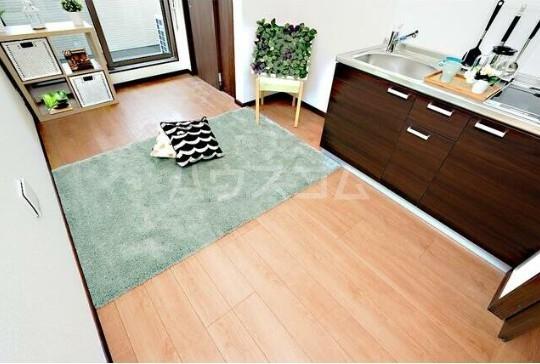 ルミエリア横浜 301号室のキッチン