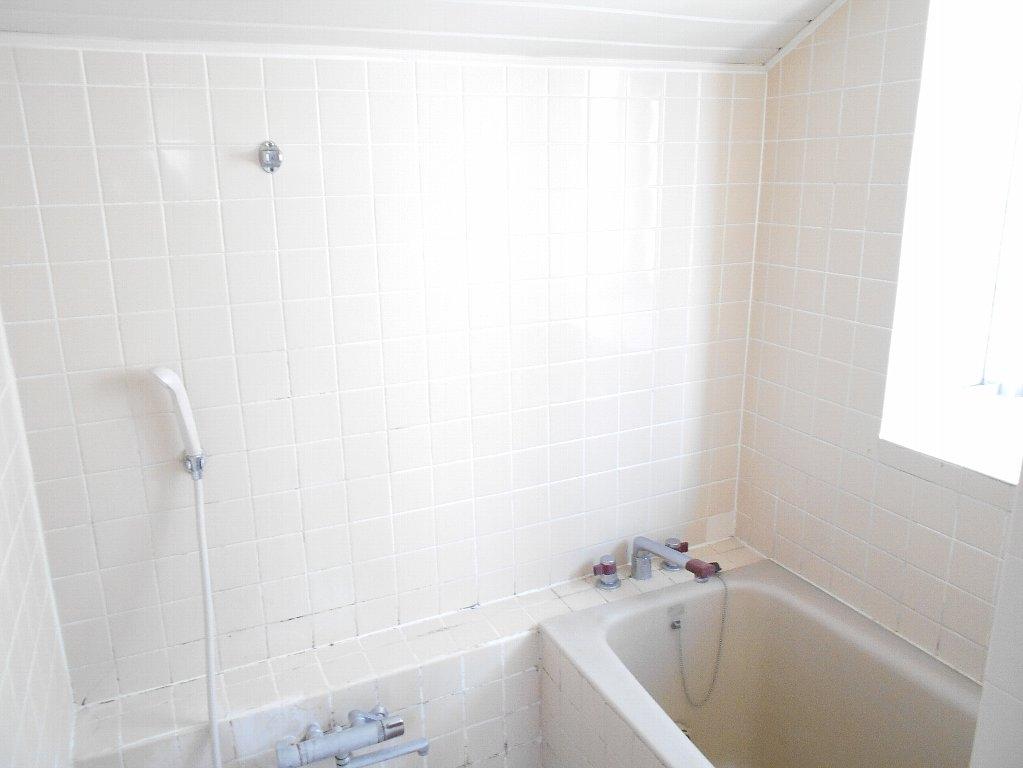 ヒルトップ菊名 303号室の風呂